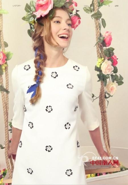 白色连衣裙搭配 蕾丝连衣裙和雪纺连衣裙的区别