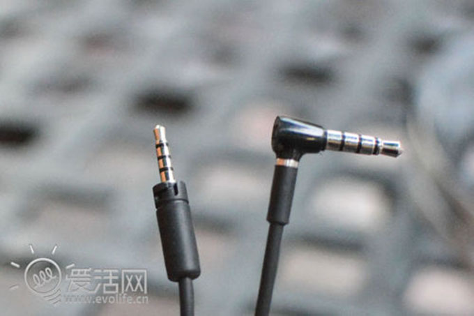 Sound-resistant balanced sound experience Pioneer CL31/31T earphones