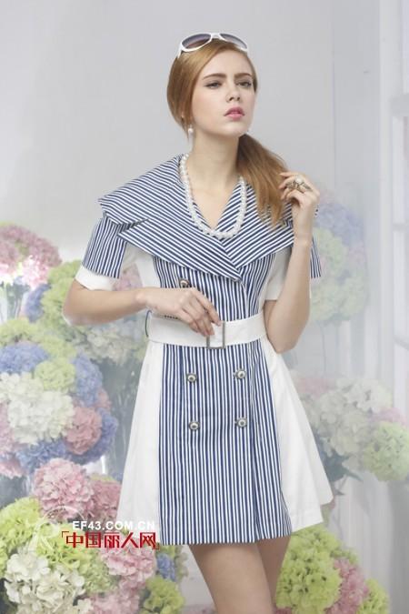 条纹连衣裙好看吗?条纹连衣裙怎么穿更时尚