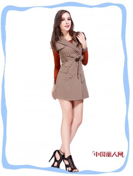千合伴品牌女装精致风衣演绎万种风情