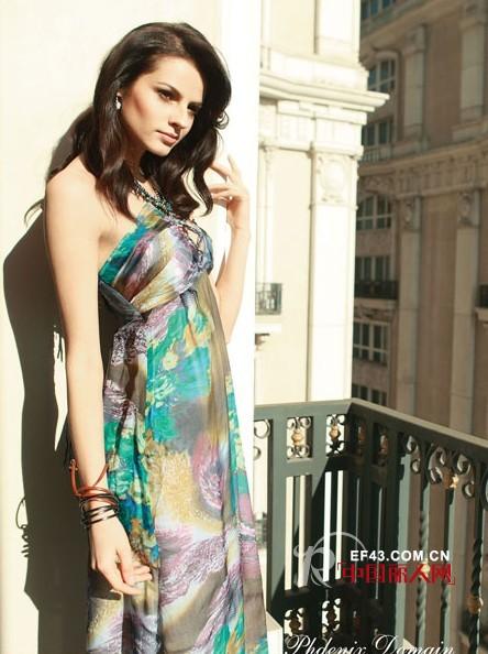 坤斯朵丽女装完美绽放万千时尚