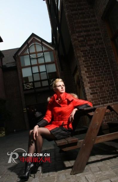 百普拉姿女装 时尚欧美风点亮OL的职场人生