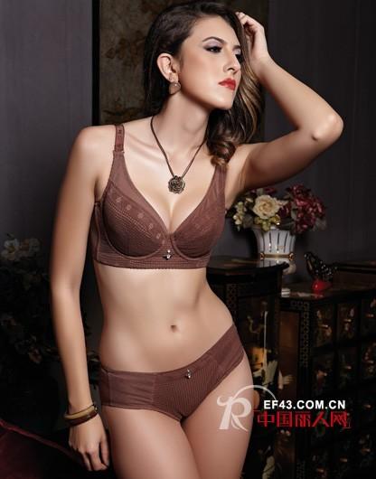 格蕾纳内衣新款来袭 深V设计性感迷人大露事业线