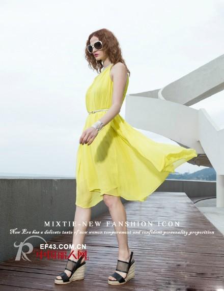 美诗缇女装品牌教你女人穿什么样连衣裙好看