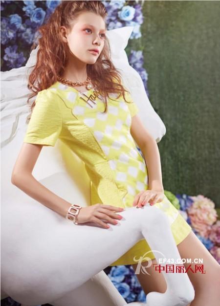 渐变格纹元素雪纺衫搭配 韩版菱形格连衣裙款式