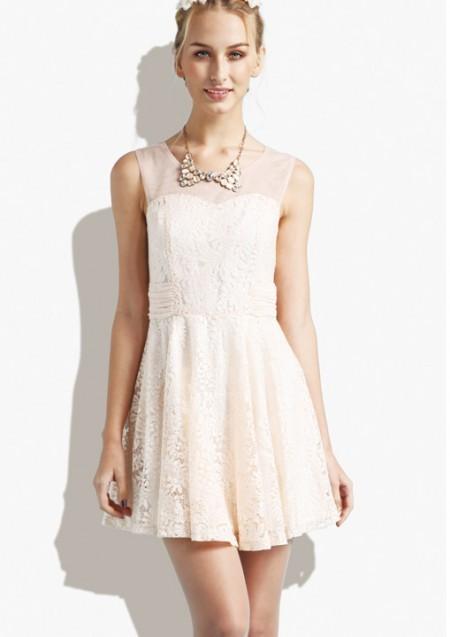 三十几度的高温穿什么合适 夏季无袖连衣裙选什么颜色