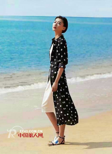 2015夏季海边度假如何搭配更显时尚气息?