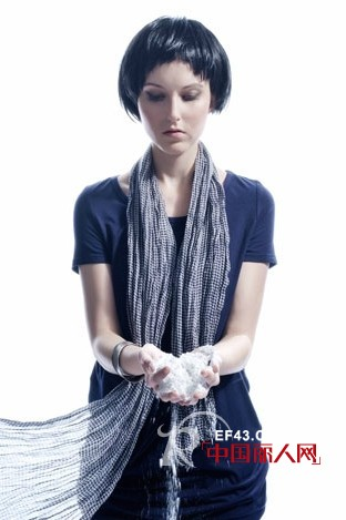 川代女装品牌 演绎现代都市时尚女性休闲与优雅