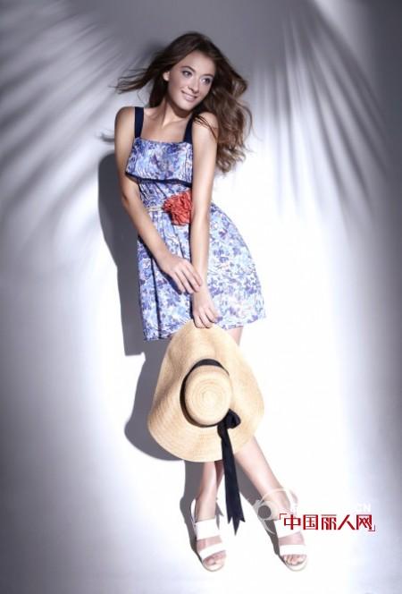 路莎时尚女装2012春夏度假系列  灿烂阳光
