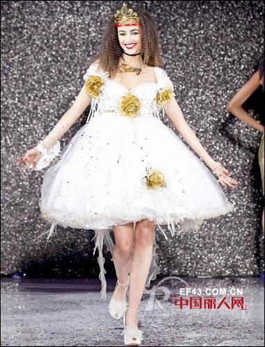 Betsey Johnson 发布2013春夏服装新品