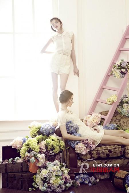 相约夏季Showy&Co女装打造白色小清新