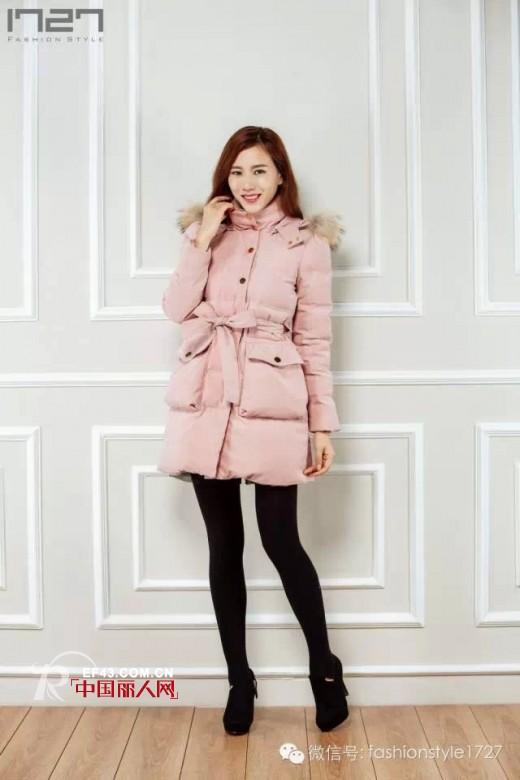 时尚系带外套搭配 轻松穿出好身材