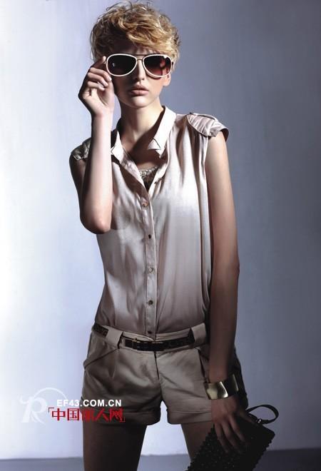 千细品牌女装天天都有新鲜感