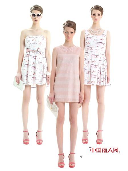 曼娅奴时尚女装 今夏纯色系让你好看