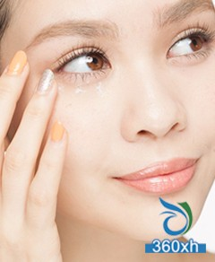 Seven-step eye massage technique teaches you how to remove eye bags