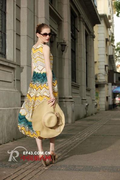 Rang-Ai时尚品牌女装  优雅知性让爱相随