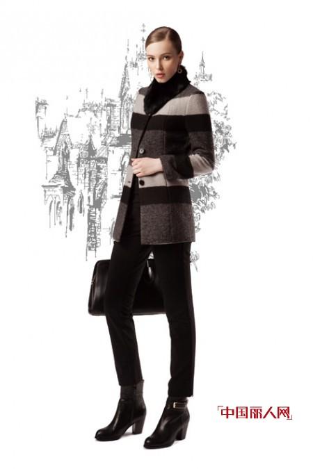 今年冬季流行什么 拼色衣服时尚百搭