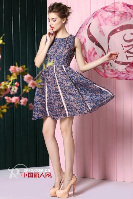 新款多彩时尚印花裙 塑造精致都市女