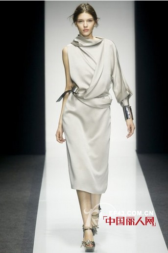 2014春夏女装  Gianfranco Ferre   不规则时尚