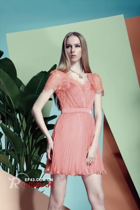 糖果色连衣裙点亮夏季 年轻女性的专属装扮