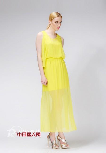 白色绣花雪纺裙新款 波西米亚裙融合自由与时尚