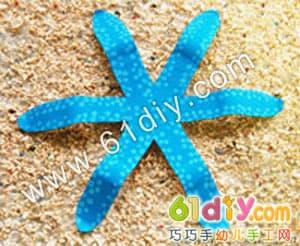 Handmade starfish illustration in disposable paper tray