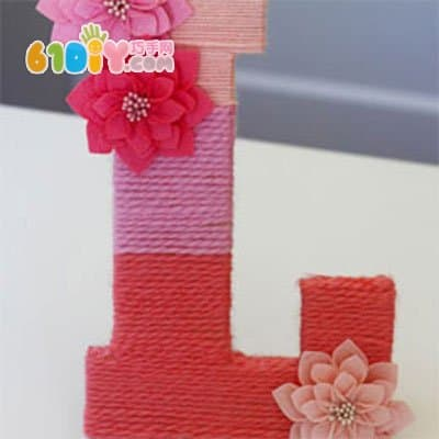 Wool cardboard making decorative letters