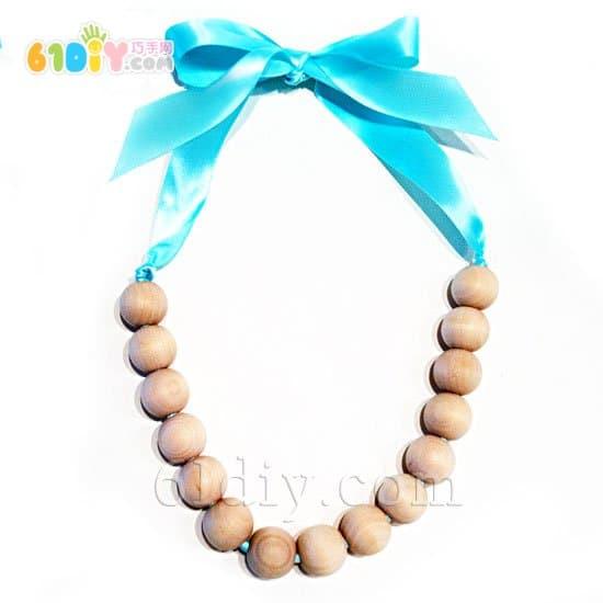 Teacher's Day Handmade: Wooden Bead Necklace