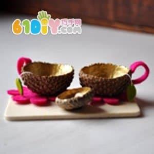 Acorn shell making fairy tea set