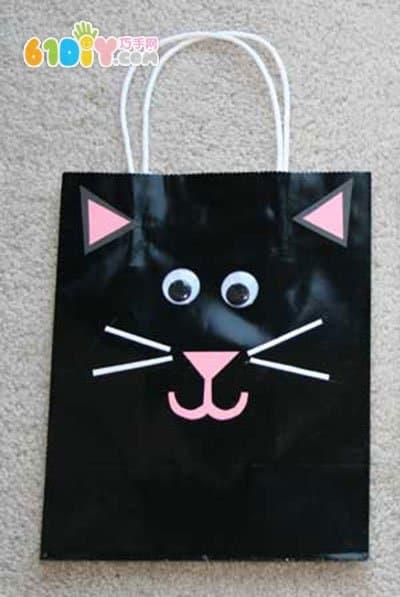 Halloween kiddie candy bag making