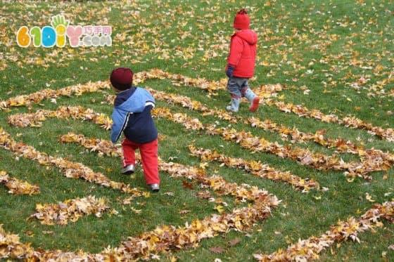Fun Fall: Falling Leaf Maze