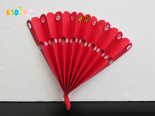 How to make a new year decoration fan