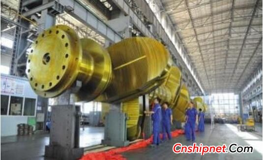 The world's best - Dalian Heavy Industry's 500th marine crankshaft off the assembly line