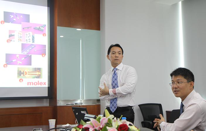 Figure Calvin Toh (Left), Director of Marketing and Key Account Management, Molex Asia Pacific Southern Region and Shen Yangguang, Regional Business Development Manager, China Medical Industry, Molex Asia Pacific (right)