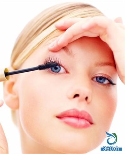 Mascara use method