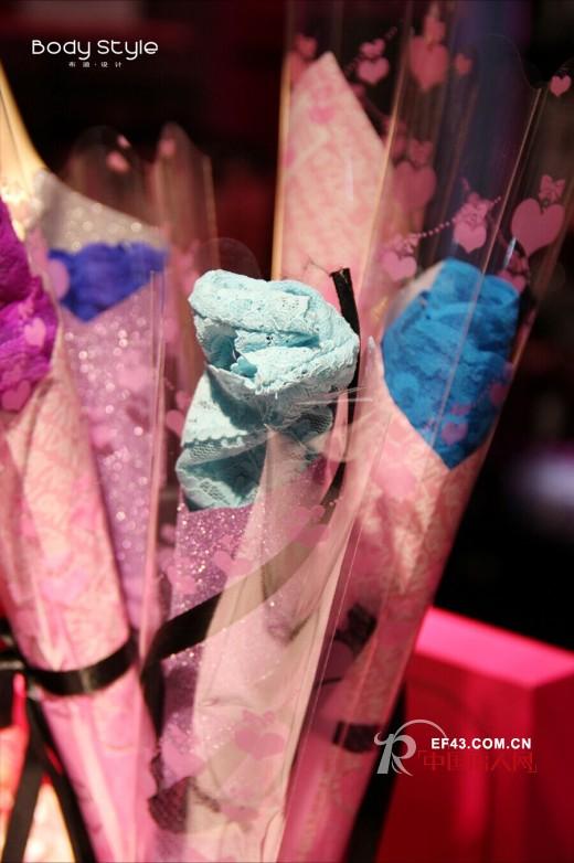 浪漫在花,挚爱永恒——布迪设计情人节送您玫瑰花内裤