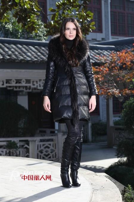 绚丽多彩 玲珑格格时尚女装2011秋冬新品优雅上市