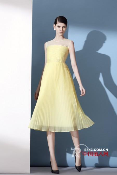 夏季出游穿什么长裙好看 丽登雅女装推荐
