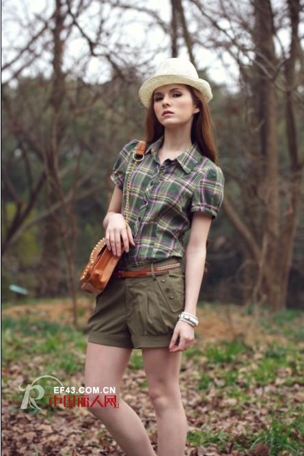 木翌品牌女装  专为时尚爱美人士而设计