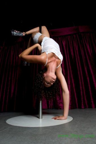 Fashion pole dancing shows a.......</p>                              </article>                         </div>                     </div>                                         <div id=