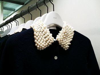 经典不败 50年代珍珠衣领装卷土重来(图3)