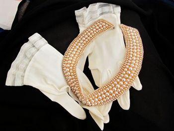 经典不败 50年代珍珠衣领装卷土重来(图5)