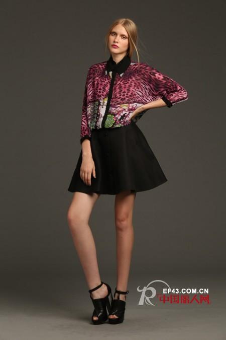 不同样式的印花上衣 秋季印花装搭配