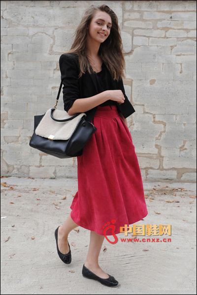 Red and black classic match, red A-line dress with black suit jacket