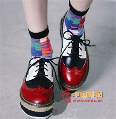 Stitching platform shoes + color stitching socks