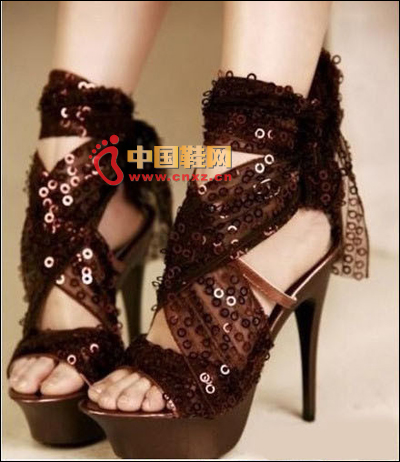 Banded brown Roman shoes