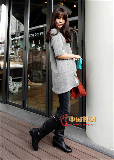 Simple fashion boots