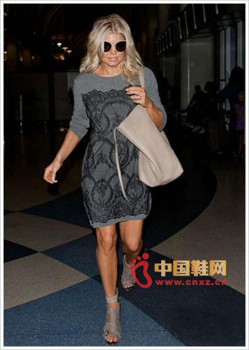 Fergie Nude Big Handbag with Bandage Boots