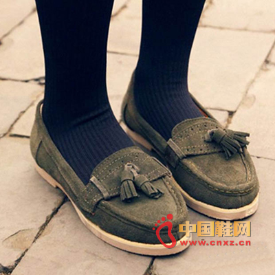 Army green flat shoes