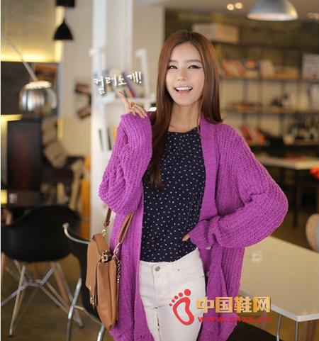 Coarse long casual knitwear. Bright colors make people look bright and do not have to worry about bloated problems